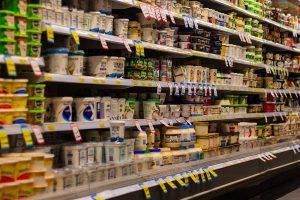 Winkelprijs zuivel op recordhoogte, af-boerderijprijs daalt