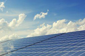 Univé, Provincie en Energiefonds Overijssel transformeren asbestdaken naar zonnedaken