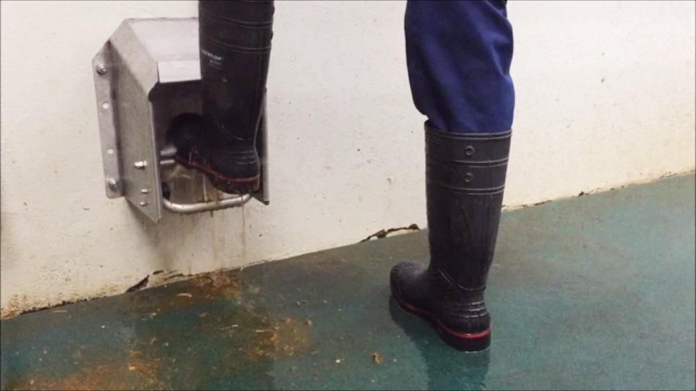 Snel en makkelijk laarzen schoon met de Ebbers Metalworks Boot-Jet
