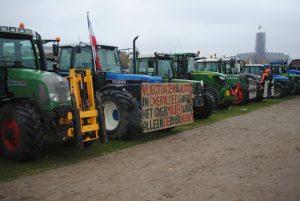 Boerenprotesten gaan door, maar staan stil bij aanslag Peter R. de Vries
